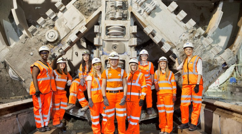 02 Female engineers working on Europe_s largest engineering project_146207