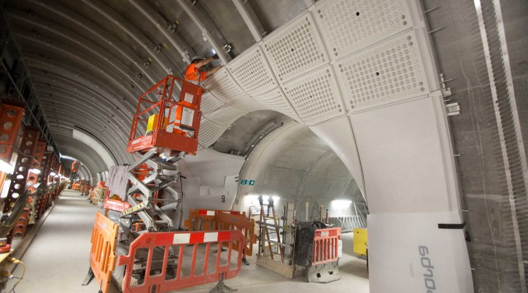 12 Glass-fibre reinforced concrete lining being installed in Farringdon station platform tunnels_246
