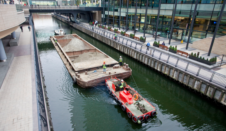 Crossrail signs agreement with PLA to move excavated materials via river, September 2009
