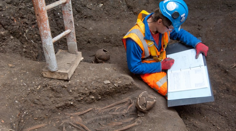 14th Century burial ground discovered in central London