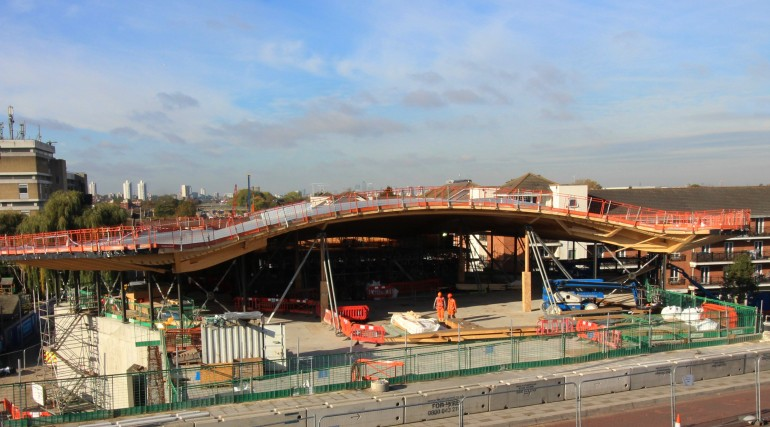 Abbey Wood station roof takes shape_250852