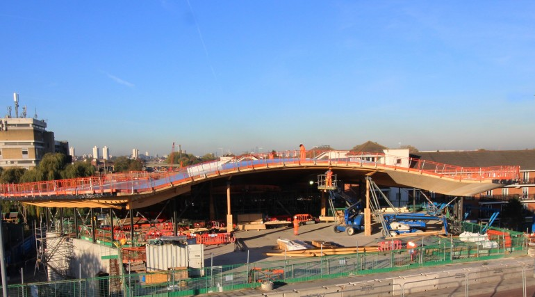 Abbey Wood station roof takes shape_250855