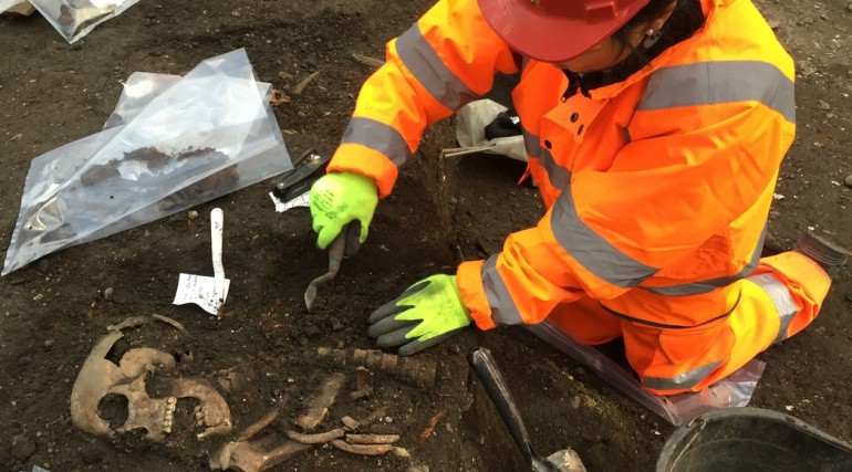 Archaeologists begin main excavation of Broadgate ticket hall_ March 2015_188609
