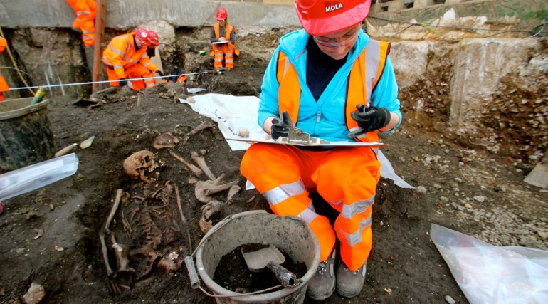 Archaeologists begin main excavation of Broadgate ticket hall_ March 2015_188650