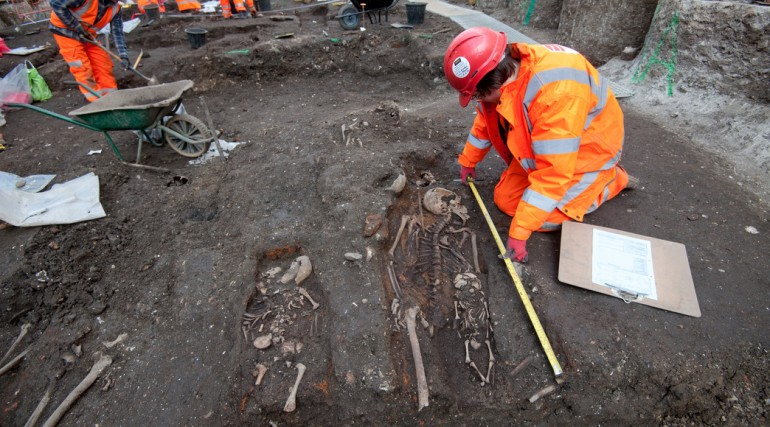 Archaeologists begin main excavation of Broadgate ticket hall_ March 2015_189148