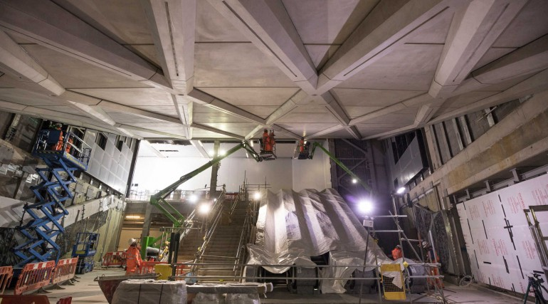 Crossrail Art - Simon Periton 'Avalanche' (on left wall) Farringdon western ticket hall - May 2018_3
