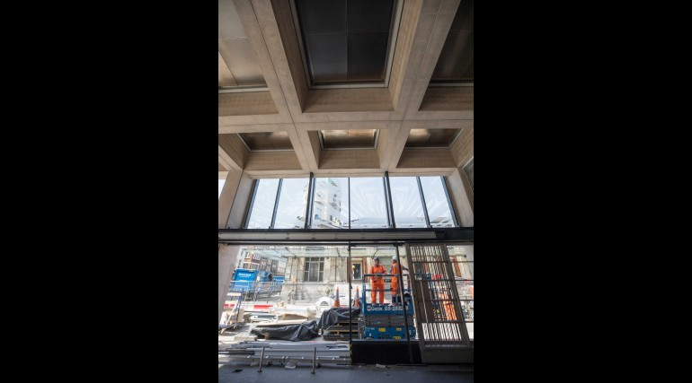 Crossrail Art - Simon Periton 'Spectre' Farringdon eastern ticket hall - May 2018_305903