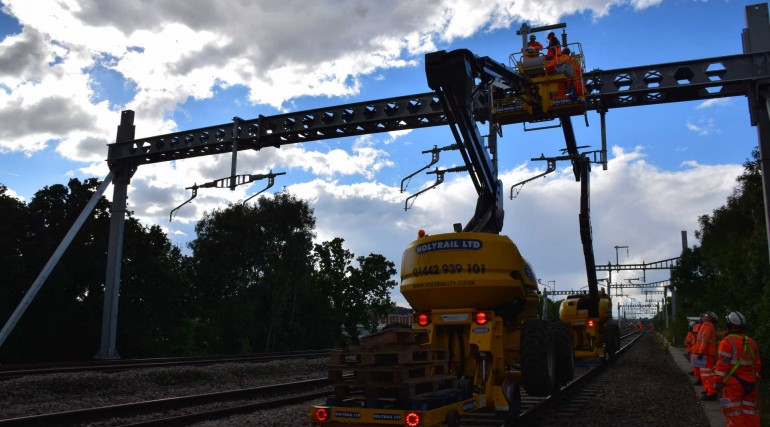Electrification for Crossrail programme_252886