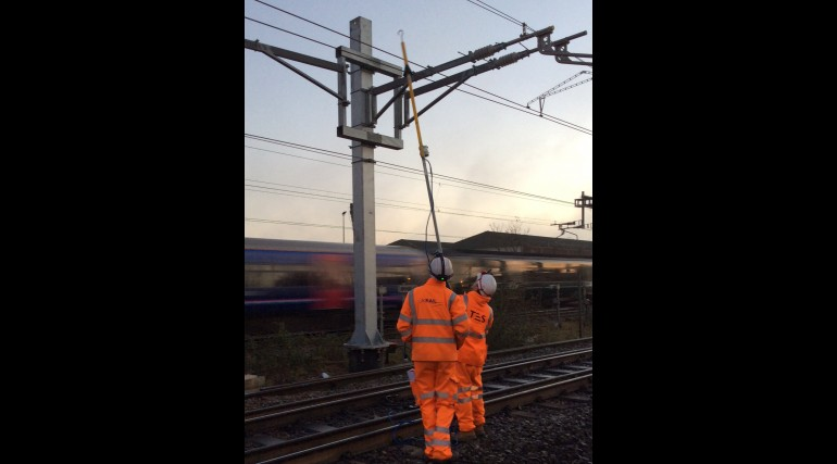 Electrification for Crossrail programme_253332