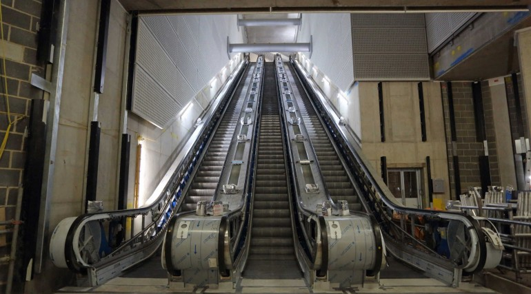 Escalator installed at Tottenham Court Road station_268766