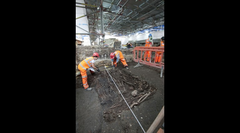 Mass burial uncovered at Crossrail Liverpool Street site_205236