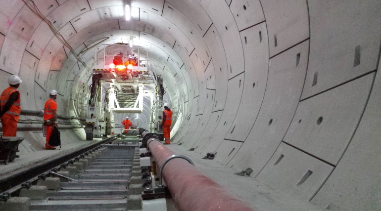 Multi-purpose gantry in use in Crossrail Thames Tunnel_212475