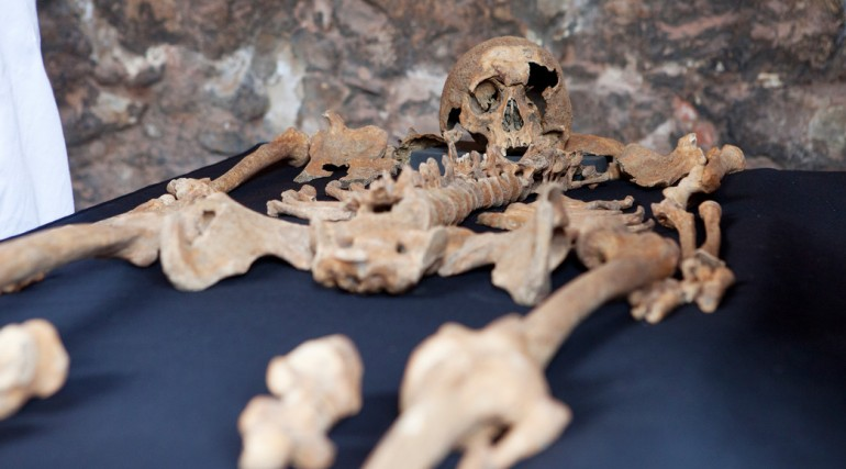 Skeletons discovered at Charterhouse Square confirmed as black death victims_132108
