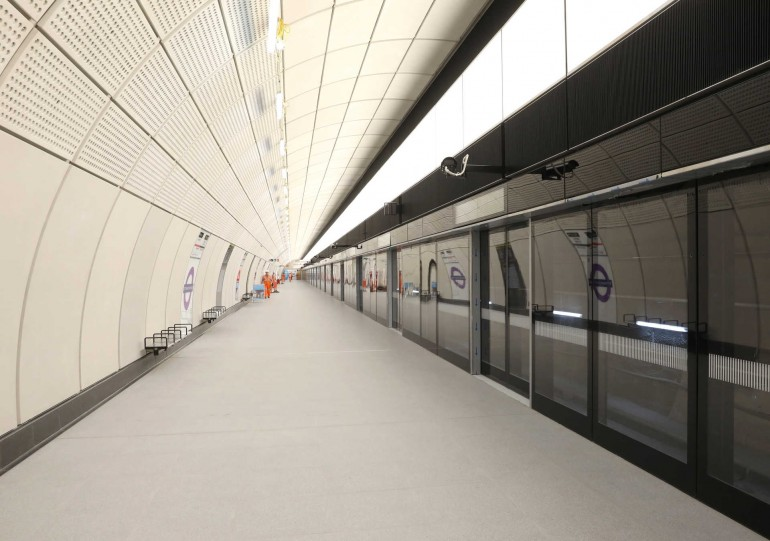 Elizabeth line services through central London to start in 2019